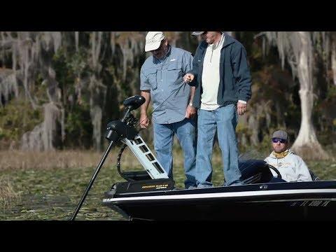 Real Anglers Try Minn Kota Ultrex: Lift-Assist