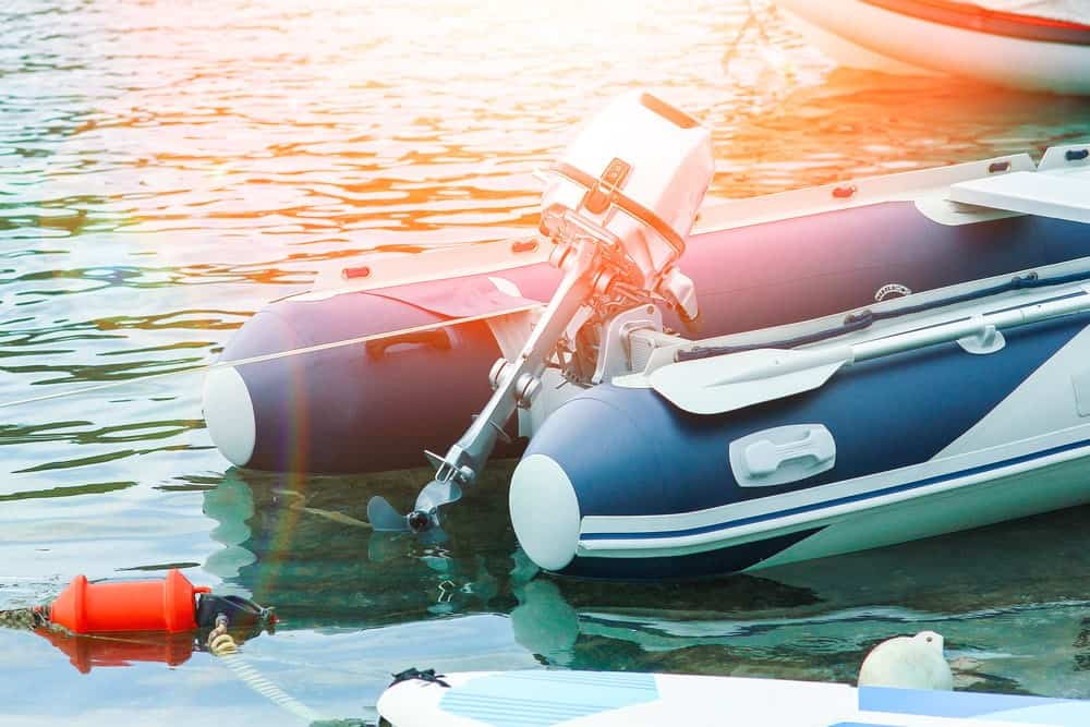 inflatable boat should use outboard motor or trolling motor