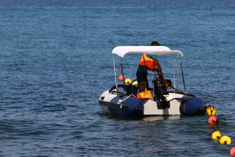 inflatable boat with sun shade capony