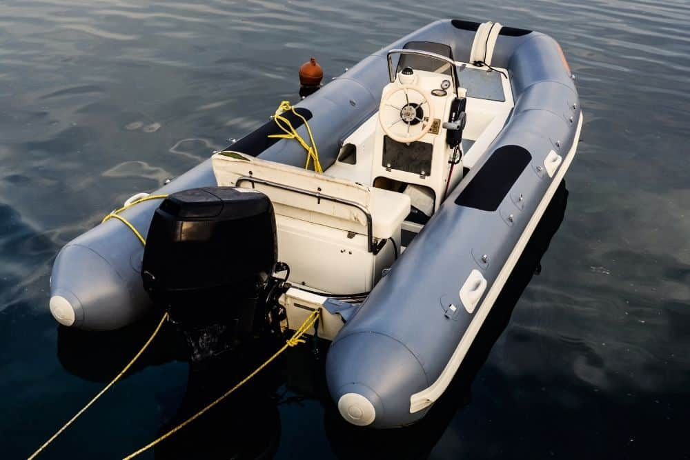 How to anchor the inflatable boat