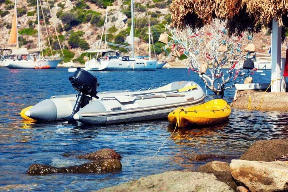 Inflatable Kayak Vs Inflatable Boat 101