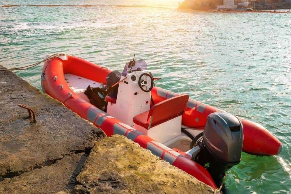 The inflatable boat with distributing equipments