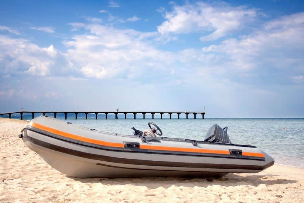 Assemble inflatable boat with a hard floor
