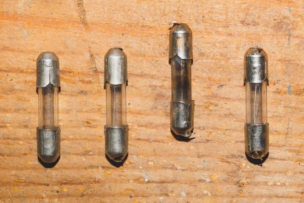 Blowing fuses of trolling motor battery