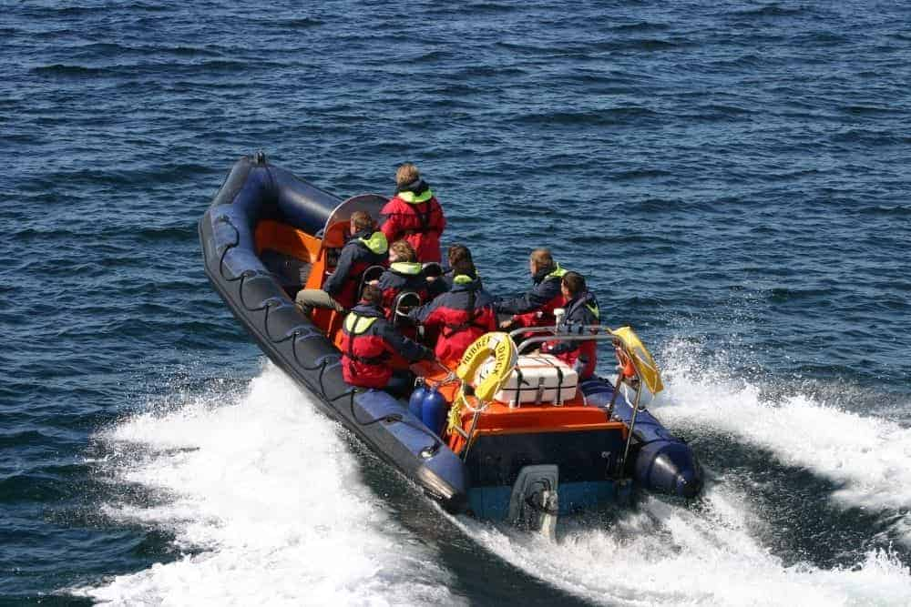 Capacity of an rigid inflatable boat