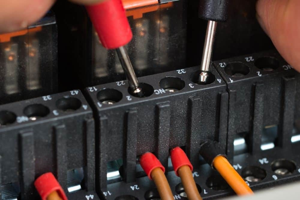 Check temperature of the fuse holder