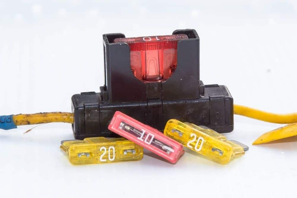 Correct fuse for trolling motor battery