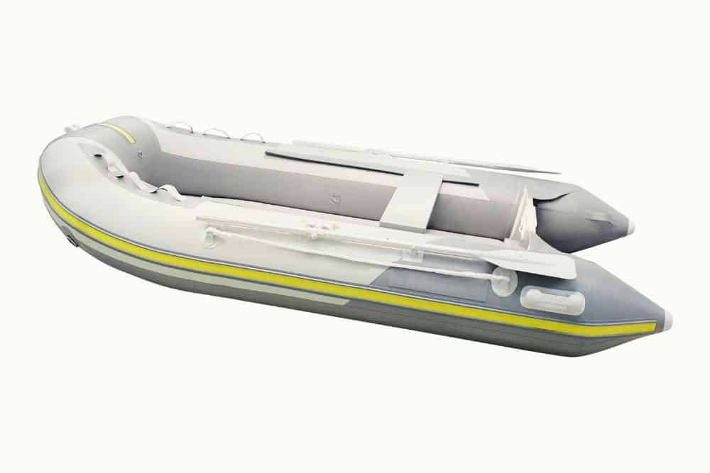 Set up an inflatable dinghy