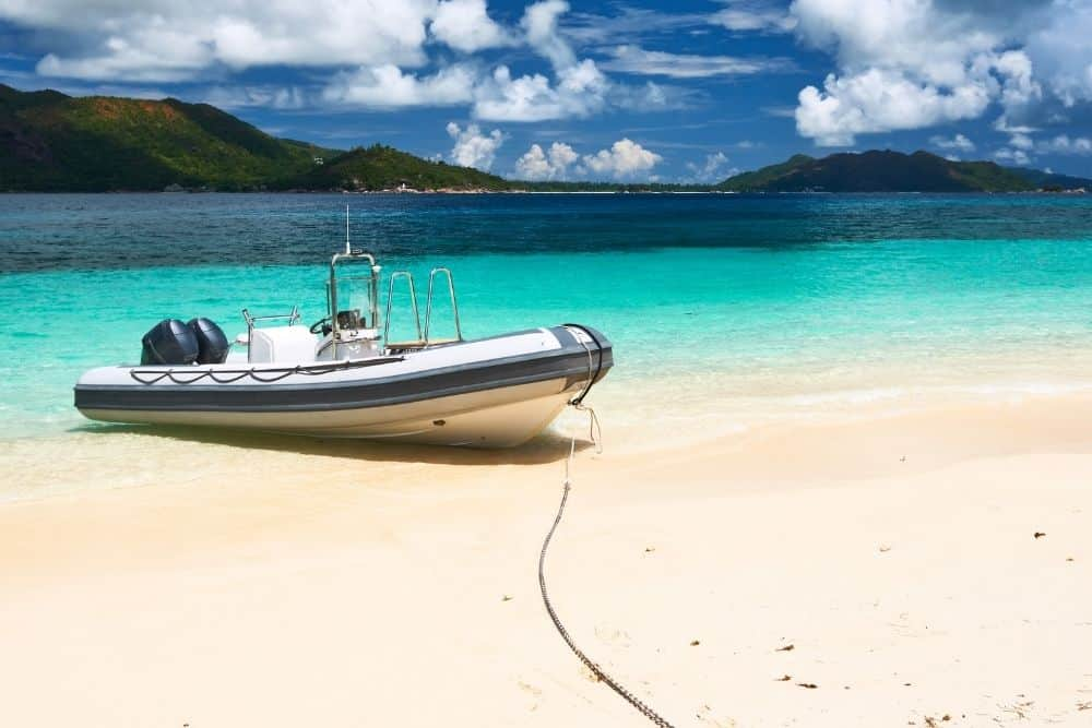 lift an inflatable boat out of the water