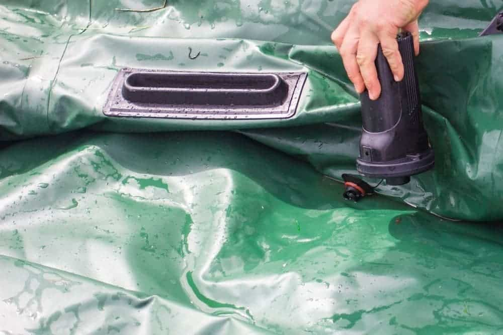 remove water from inflatable boat